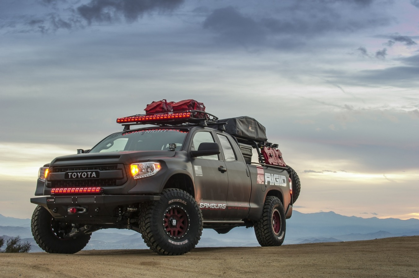 Фара RIGID Adapt на Toyota Tundra